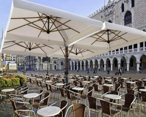 Большие зонты для кафе