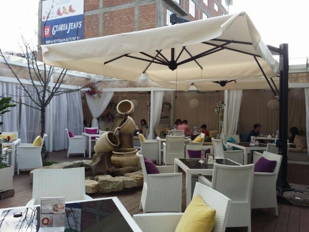 Летние зонты для кафе